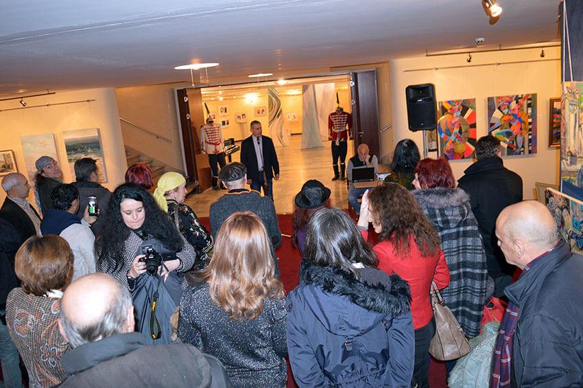 Колективна изложба в Зала България